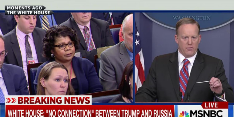 April Ryan and Sean Spicer at the White House press briefing on March 28.