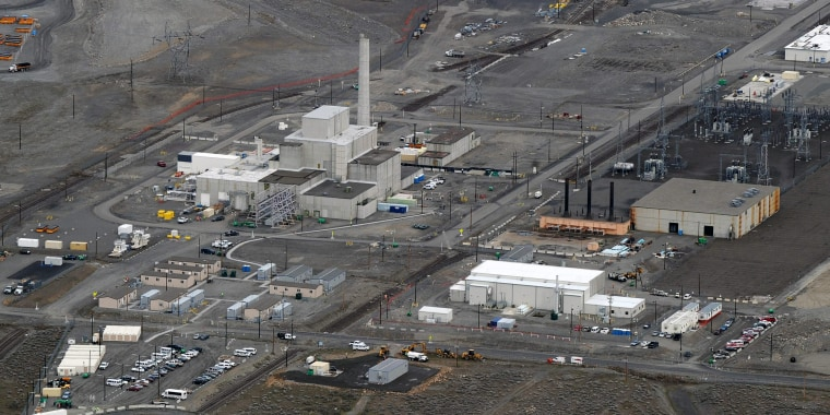Image: A decommissioned nuclear reactor during the cleanup operations at the Western hemisphere's most contaminated nuclear site in Hanford