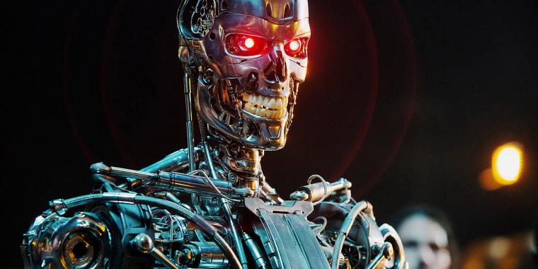 TERMINATOR GENISYS, Series T-800 Robot, 2015. ph: Melinda Sue Gordon/(C)Paramount Pictures/courtesy