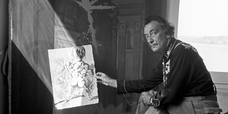 Image: Dali's body to be exhumed to resolve paternity case