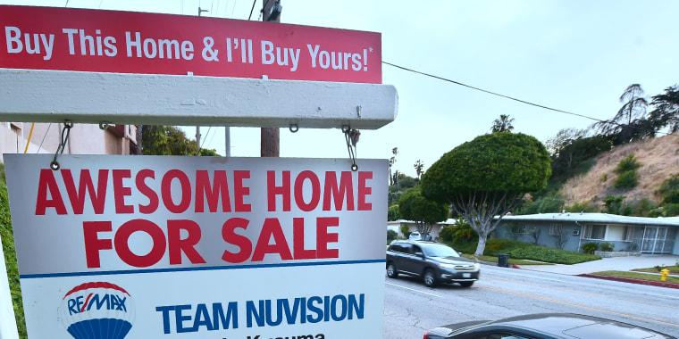 Image: FILES-US-ECONOMY-HOUSING-SALES-INDICATOR
