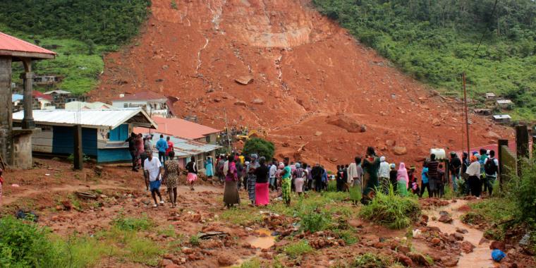Image: Mudslide kills hundreds in Sierra Leone