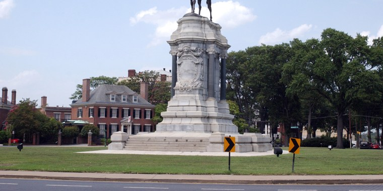 Image: Robert E. Lee Monument