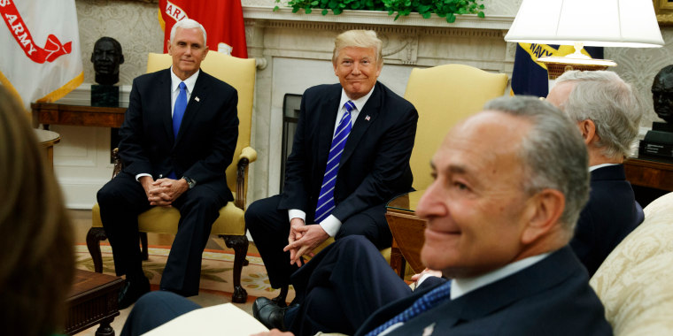 Image: Trump meets with Congressional leaders in the Oval Office