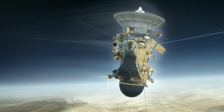 Image: Cassini spacecraft's final plunge into Saturn