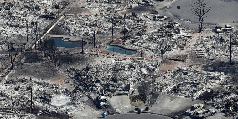 Image: Multiple Wildfires Destroy Homes, Threaten California Wine Country