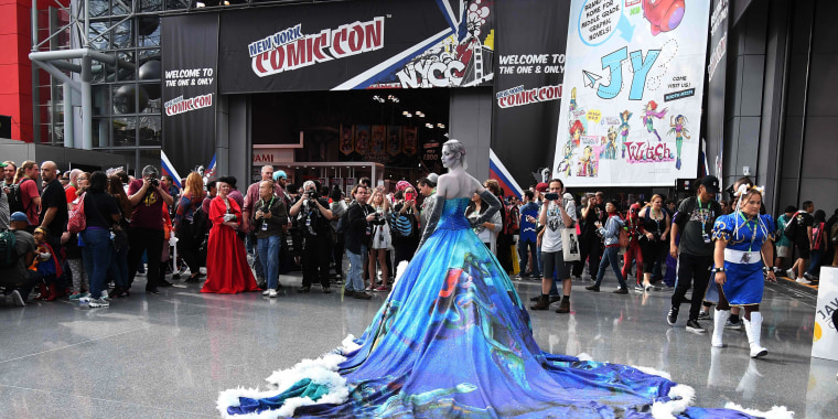 Image: A woman poses at New York Comic Con