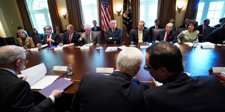 Image: Trump holds a cabinet meeting at the White House