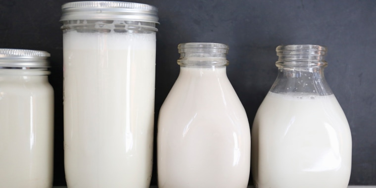 Image: Various types of feed in milk: organic short-grain rice milk, oatmeal, long-grain rice milk and cashew nut milk