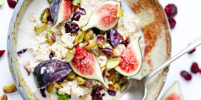 Overnight Oats with Figs and Pistachios