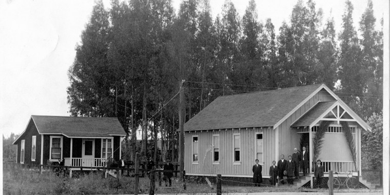 Image: Wintersburg Japanese Mission and Manse (parsonage), circa 1910.