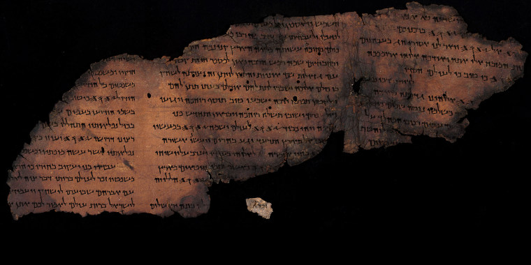 The Great Psalms Scroll together with the new fragment featuring Psalm 147:1.Shai Halevi/The Leon Levy Dead Sea Scrolls Digital Library