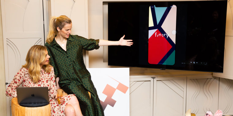 FINERY Press Event : Hosted by Brooklyn Decker & Whitney Casey
