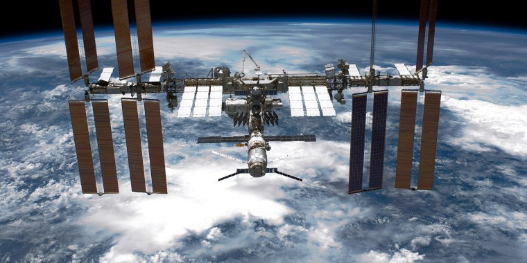 Image: Space Shuttle Endeavour Makes Last Trip To ISS Under Command Of Astronaut Mark Kelly