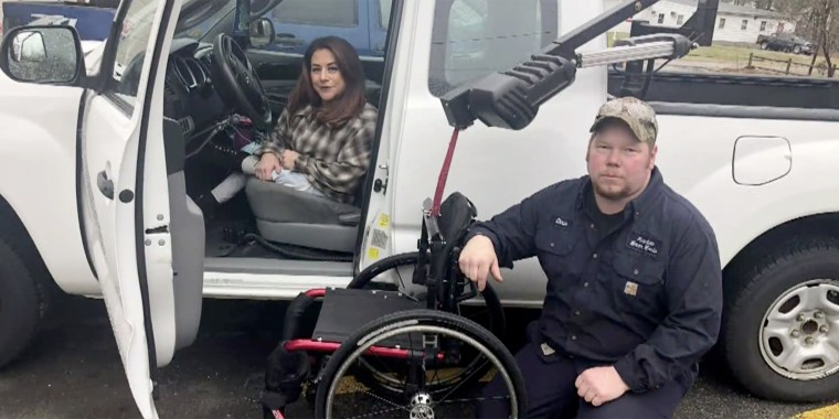 Mechanic goes the extra mile to repair woman's wheelchair lift