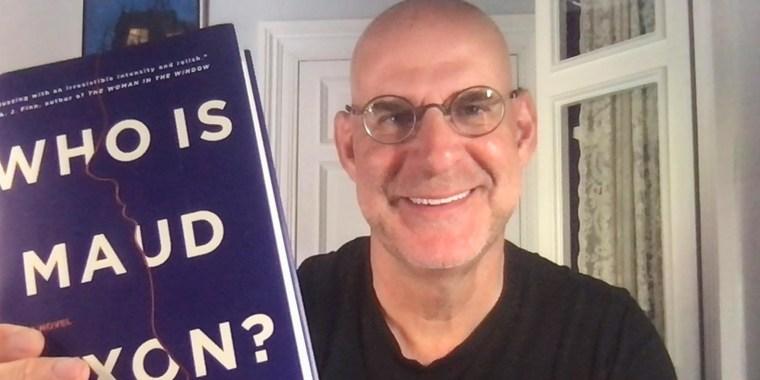 Image of Harlan Coben sharing his favorite books to read