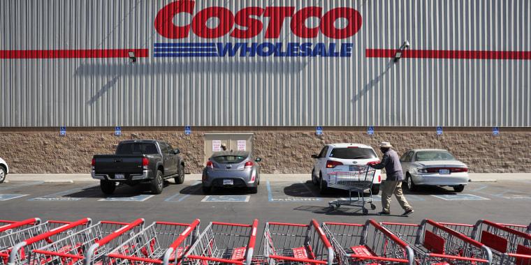 Costco Announces Raising Minimum Wage to $16 An Hour