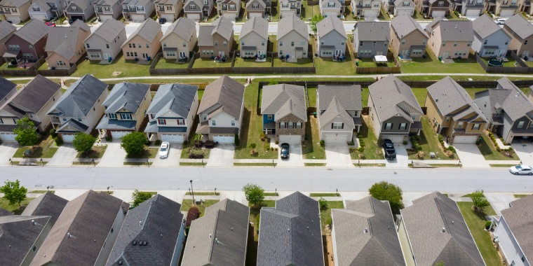 Booming U.S. Recovery Is Leaving Some Communities Completely Behind