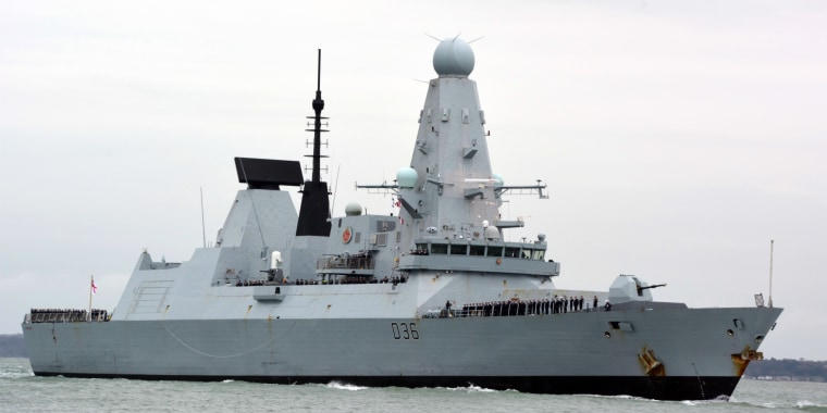 Image: Russian forces fire warning shots at Royal Navy destroyer