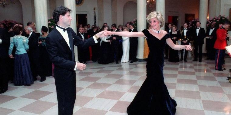Diana, Princess of Wales dances with actor John Travolta during a White House Gala Dinner November 9, 1985 in Washington, DC.