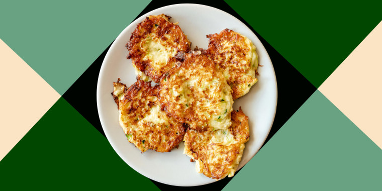 Crispy zucchini fritters with egg, flour and onion.