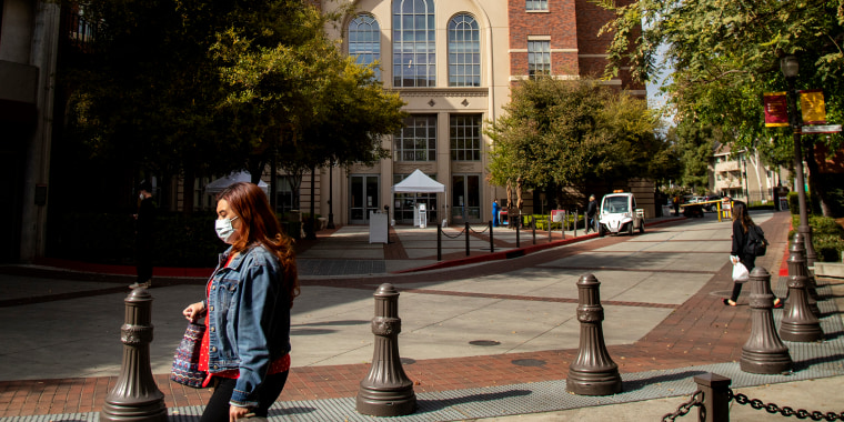 USC to pay $1.1 billion to settle claim against gynecologist in Los Angeles, CA.