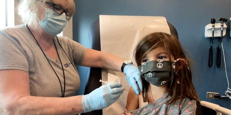 Image: Pfizer BioNtech COVID-19 vaccine trial for children at Duke University in Durham