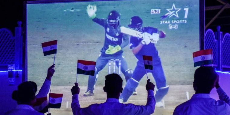 TOPSHOT-INDIA-PAKISTAN-CRICKET-WC 2021-T20