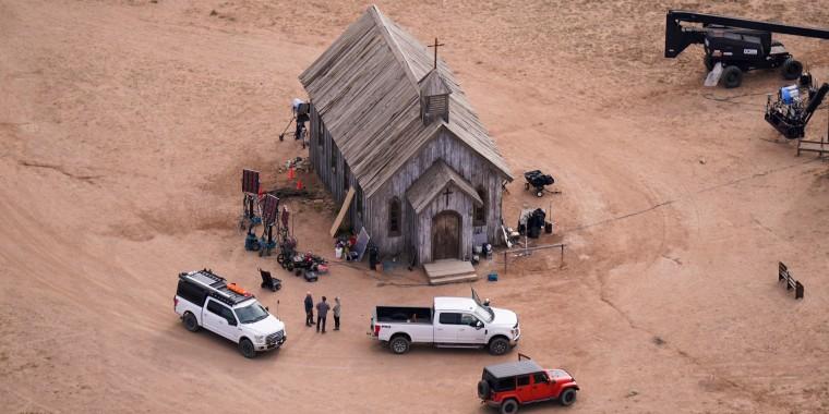 Un set de filmación en el Rancho Bonanza Creek en Santa Fe, Nuevo México, el sábado 23 de octubre de 2021.