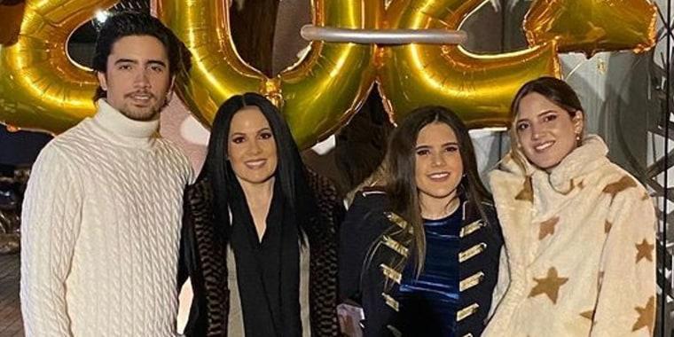 Alex Fernández, América Guinart, Camila Fernández y América Fernández