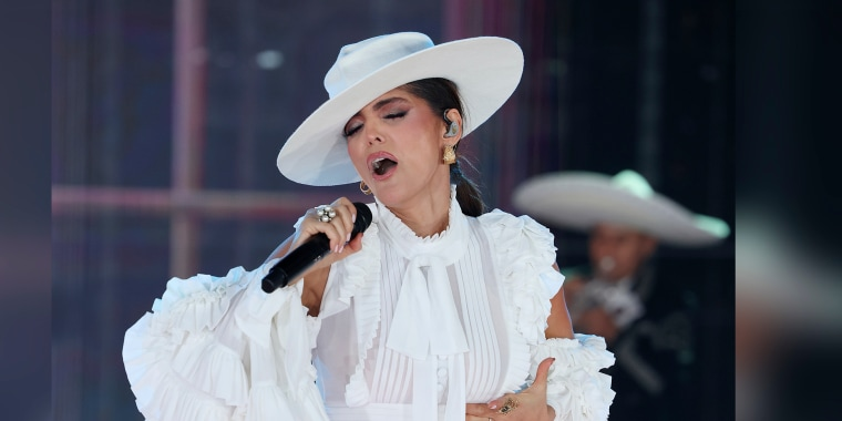 Ana Bárbara, presentación en 'Así se baila' de Telemundo.