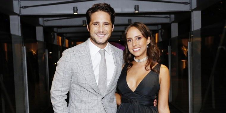 Diego Boneta con Natalia Boneta, su hermana.