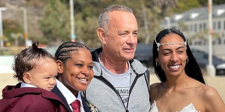 Tom Hanks en la boda de Diciembre y Tashia Farries