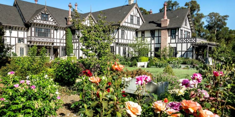 Image: It cost $400,000 in 1914 to renovate this Los Altos home.