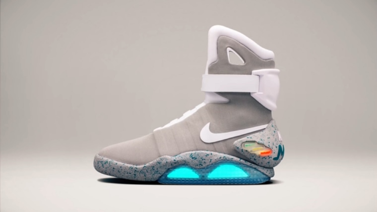 Cámara motor Mercado  Nike Raffles 'Back to the Future' Self-Tying Shoes