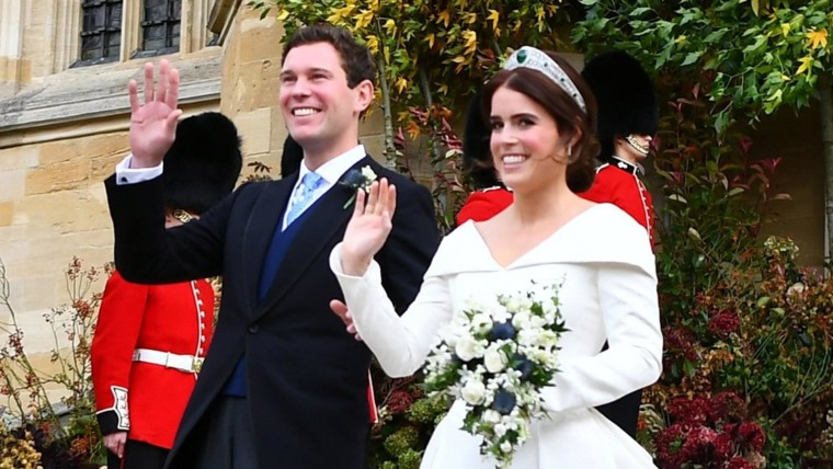 Princess Eugenie S Royal Wedding Dress Shows Off Scoliosis Back Surgery Scars
