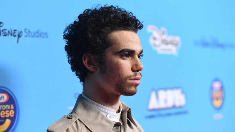 Cameron Boyce S Dad Shares Photo Taken Hours Before Actor S Death