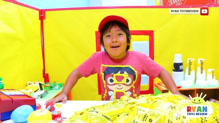Hit Youtube Channel Ryan Toysreview Accused Of Deceiving Kids Into