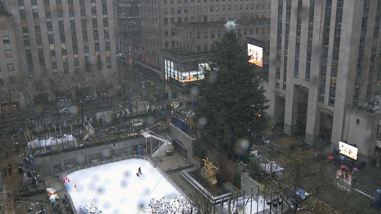 Watch Live Snow Falls In New York City