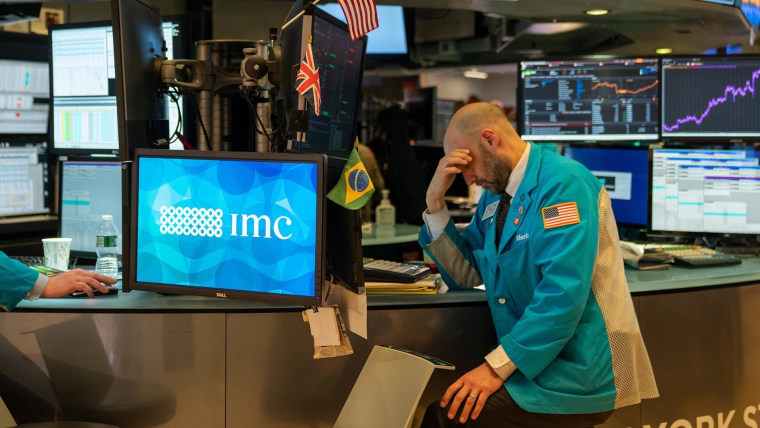 Global stocks tumble as oil prices crash on coronavirus fears