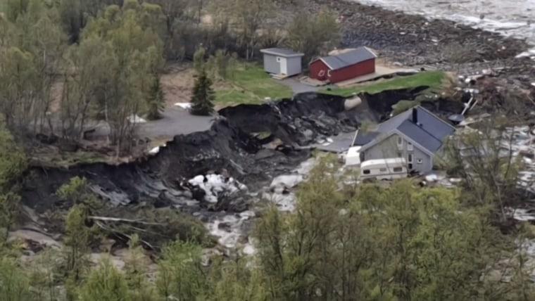大面積山泥傾瀉 8間房屋消失眼前