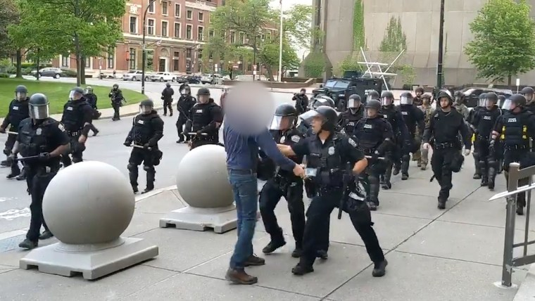 Buffalo police officers resign from unit in protest of suspended colleagues who shoved man, 75, to ground
