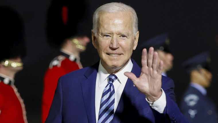 Biden, Johnson sign new charter on trade and defense 2