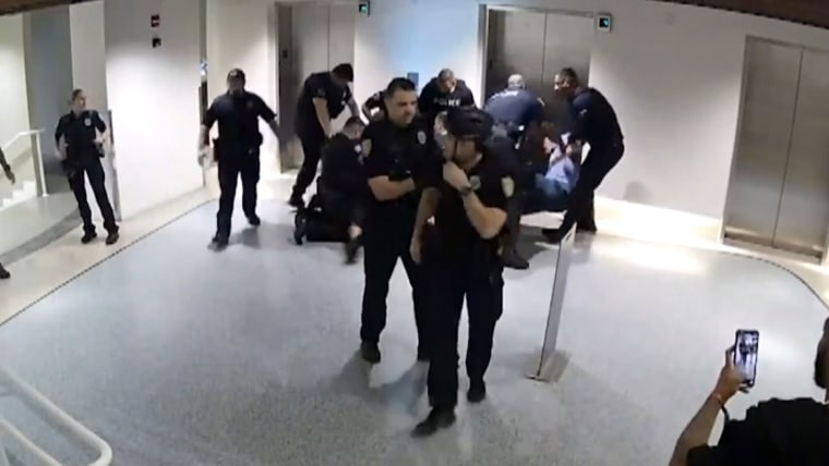 Five Florida Police Officers Charged With Battery Over Violent Arrests of Two Black Men