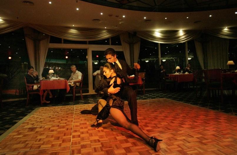 Image: Tango dancers