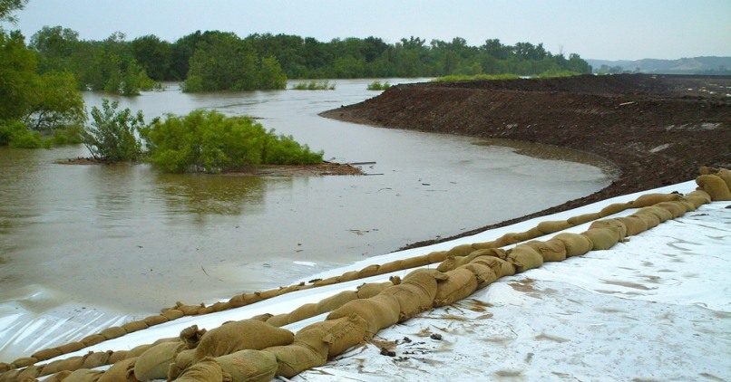 Image: Floodwaters at secondary levee
