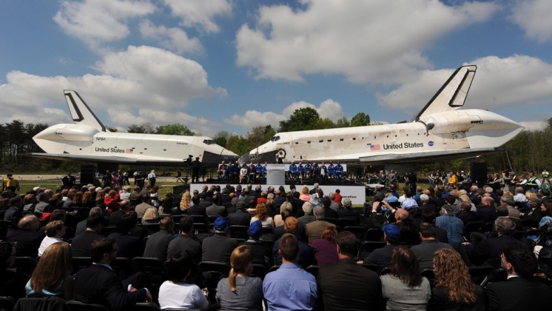 Image: Discovery space shuttle transfer ceremony at Smithsonian National Air and Space Museum's Steven F. Udvar-Hazy Center