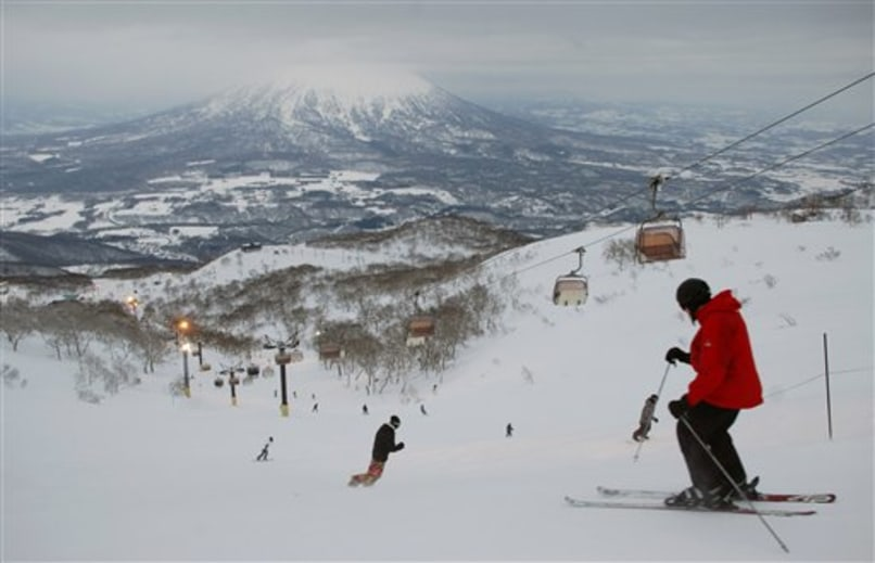 Image: Skiing in Niseko
