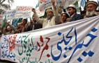 Image: Activists of Pakistani Islamist organisa
