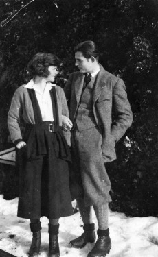 Hemingway with his first wife, Hadley Richardson